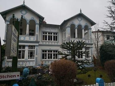 """Bild: Villa """"Kunterbunt"""" Taun Fischer un sin Fru"""