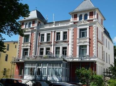 Bild: Villa Minerva, tlw. herrlicher Meerblick, 4-Zimmer-Ferienwohnung (Südwind)