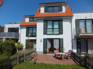 Bild: FeWo Lerche mit Terrasse und kleinem Garten