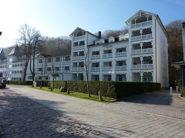 Bild: Ferienwohnung mit Balkon und Blick auf die Ostsee