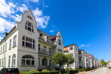 """Bild: """"Villa Frieda"""" 2 Balkone Seeseite & Buchenpark"""