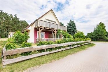 Bild: Ferienhaus am Wald