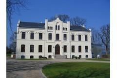 Bild: Gutshaus von Bülow mit Ostseeblick