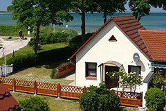Bild: Ferienhaus in Glowe auf Rügen  direkt am Strand !