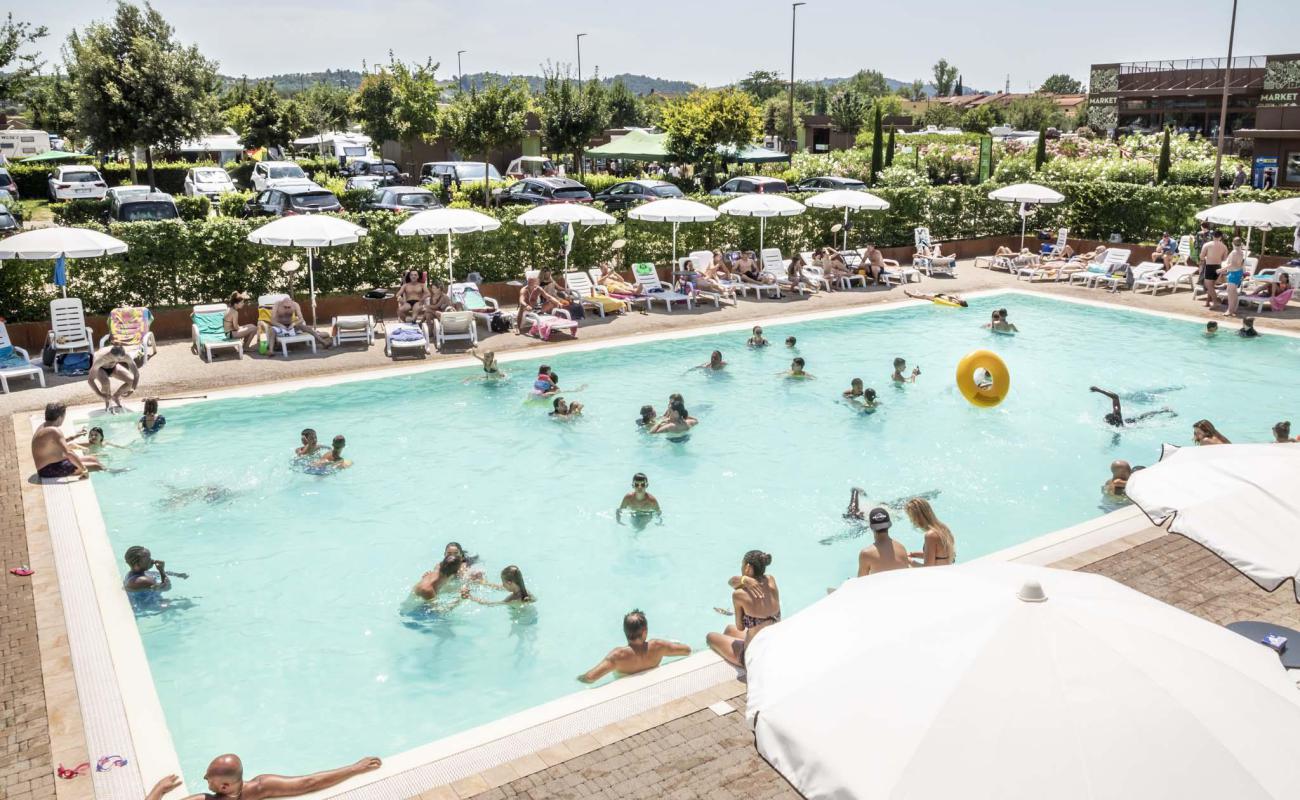 Piscina per famiglie e turisti a Firenze Sud