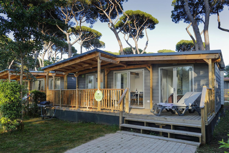 Casa Mobile Eden veranda immersa nel verde