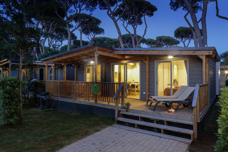 Veranda casa mobile di sera
