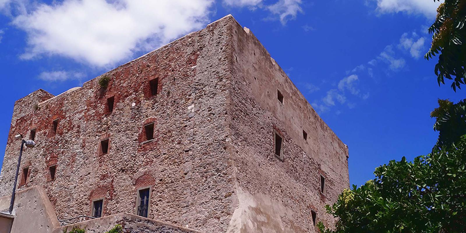Castello a Piombino | Livorno