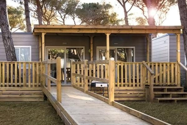 Casa mobile per disabili con rampa di accesso
