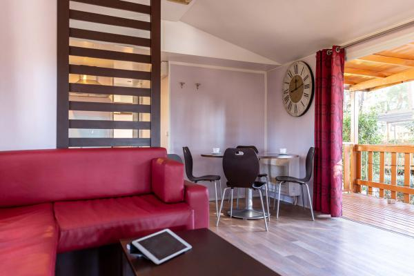 Zona living bungalow Bernini camping Park Albatros