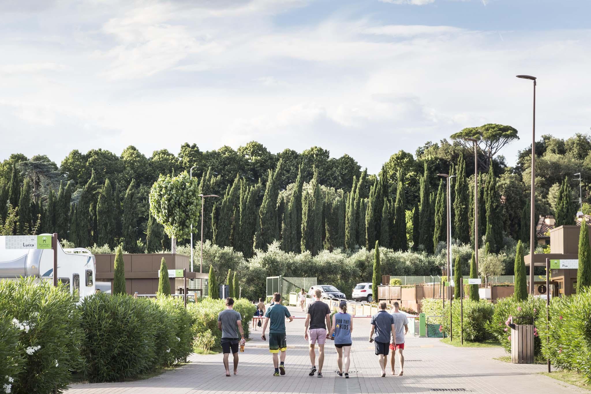 Case mobili e piazzole immerse nel verde a Firenze