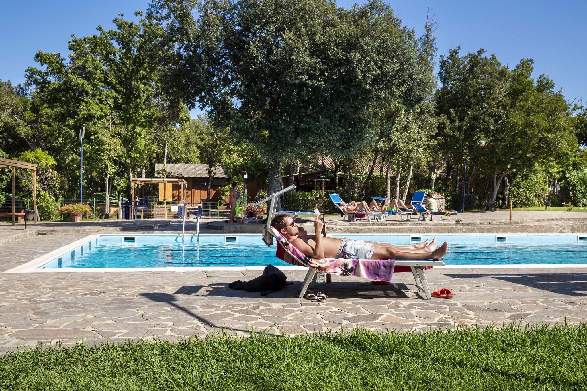 Piscina Montescudaio camping Village