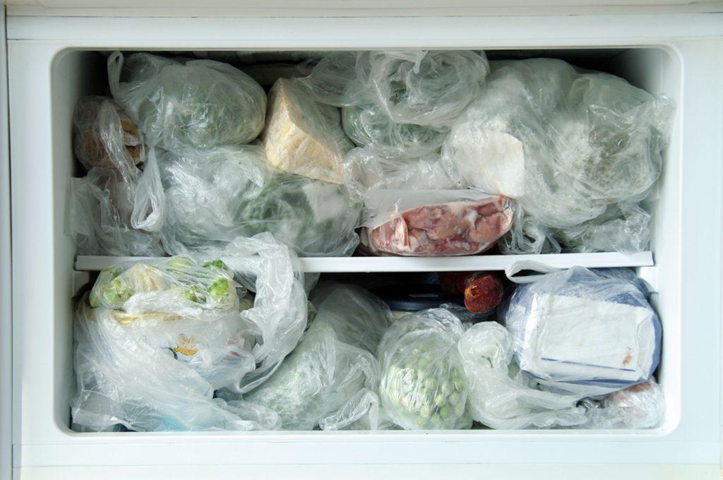 Congelare il cibo due volte fa bene o male?