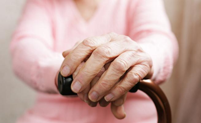 Accudire un malato di Parkinson: assistenza, farmaci, alimentazione e attività fisica