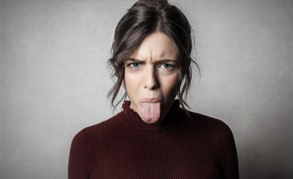 mal di lingua: ecco le cause più comuni