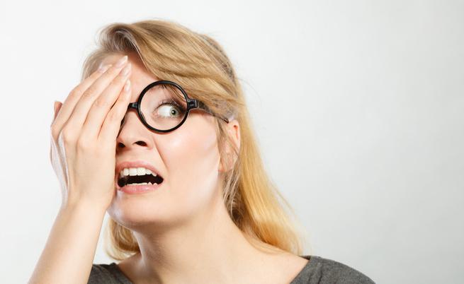 I comportamenti errati che rovinano la vista e gli occhi