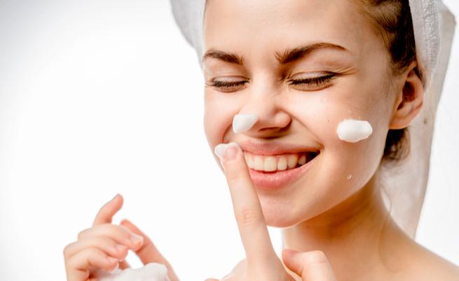 Come lavarsi il viso: ecco alcuni consigli utili