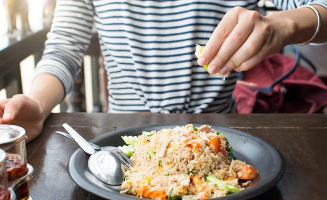 Le proprietà nutritive del riso integrale e del riso bianco