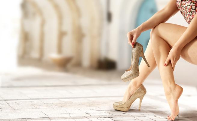 gambe gonfie: le cause e i rimedi