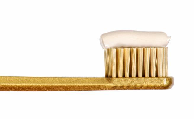 Alcuni rimedi per lo sbiancamento dei denti