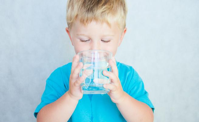 Acqua minerale o acqua naturale
