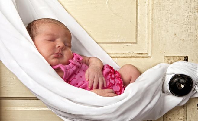 Fa dormire un neonato: alcuni consigli utili