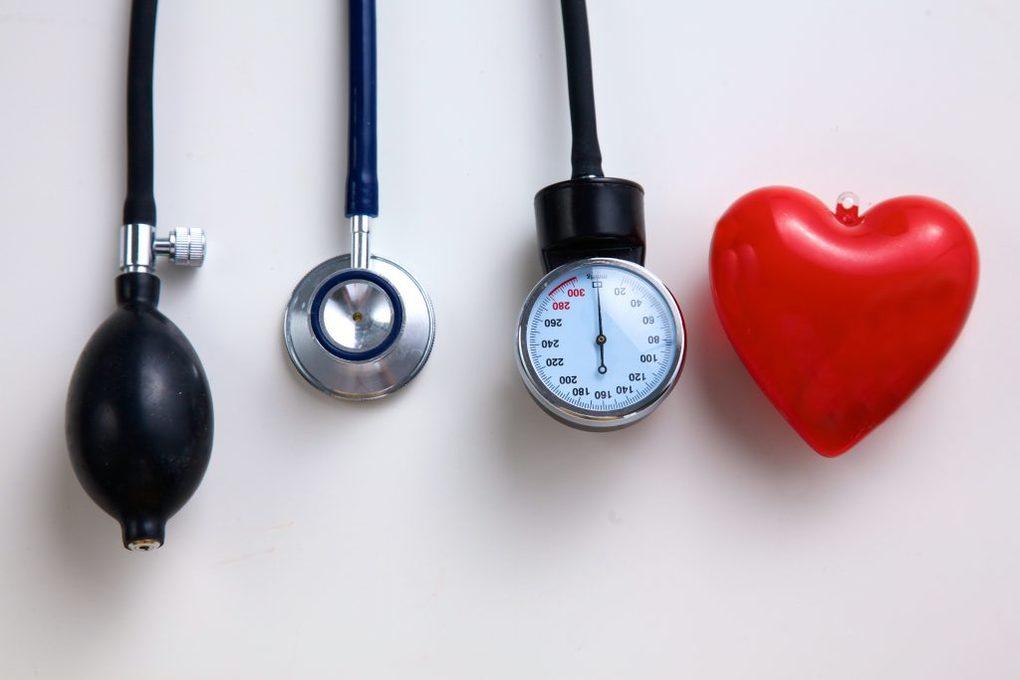 pressione alta, i rischi dell'ipertensione