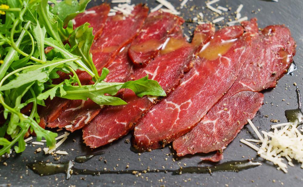 carne cruda: perché fa male alla salute