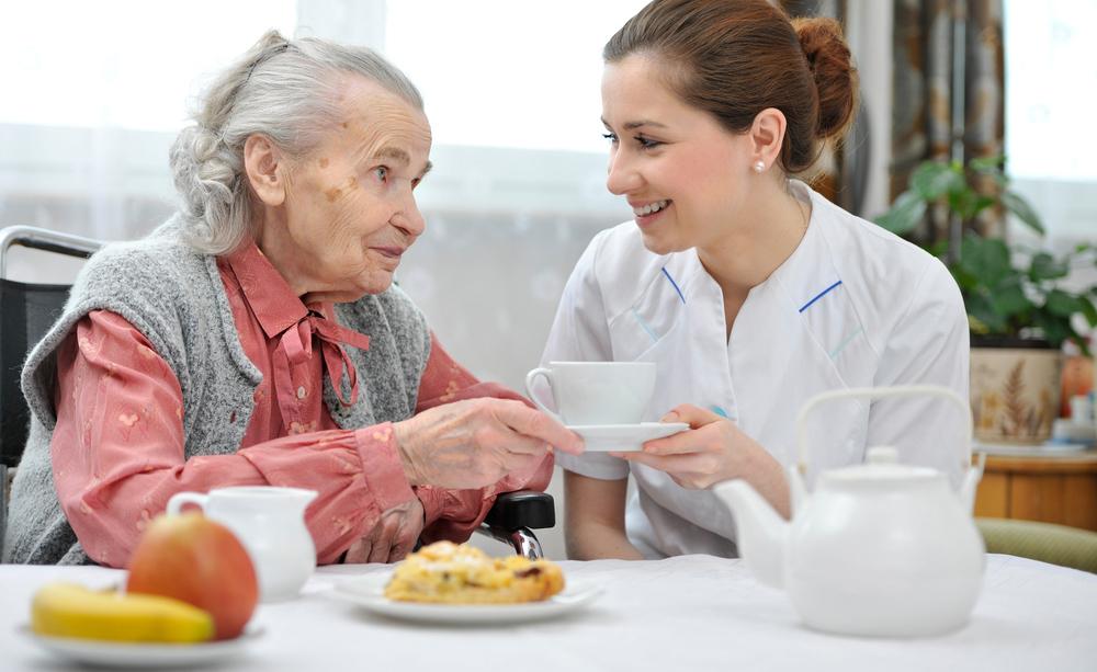 Quali sono le cause dell'inappetenza nell'anziano? Vediamole insieme, cercando di capire come risolverla