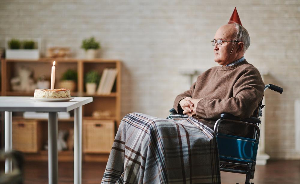 Quali sono i rischi della solitudine nell'anziano? Vediamoli insieme.