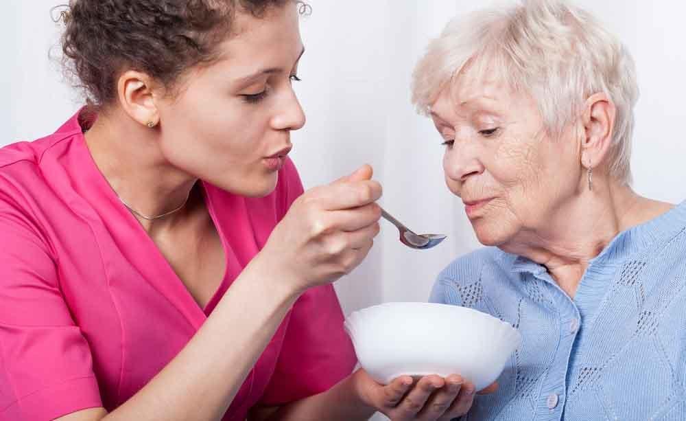 Anziano: le cause della perdita di peso