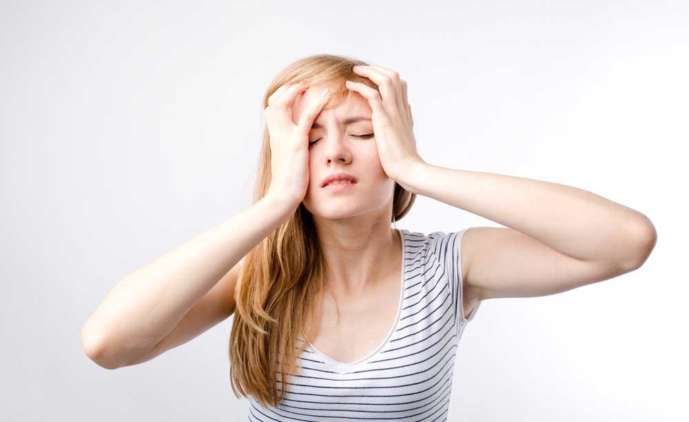 Mal di testa: i sintomi della cefalea a grappolo