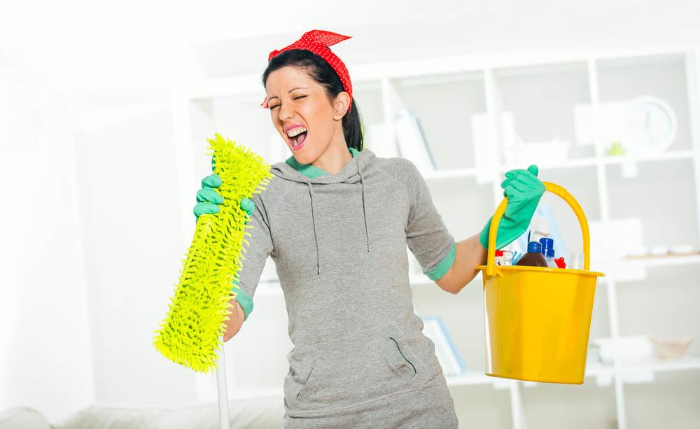 I consigli per lavare casa ed eliminare i germi