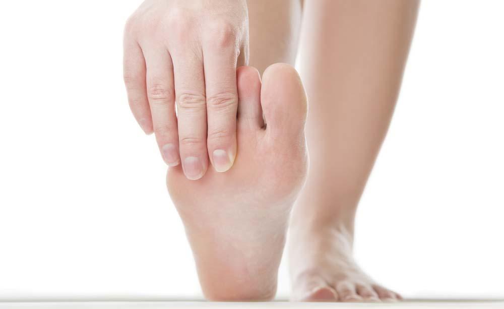 Dolore ai piedi: le cause