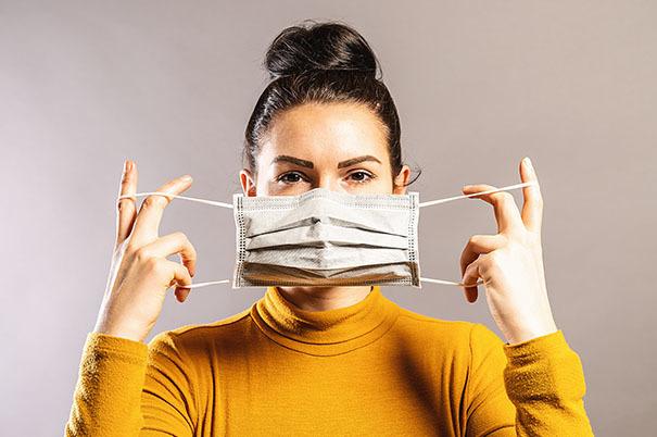 Mascherine: come indossarle, toglierle e gettarle