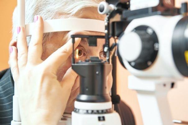 Visita oftalmologica: incontriamo l'oculista