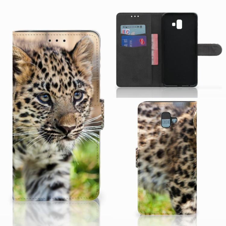 Samsung Galaxy J6 Plus (2018) Telefoonhoesje met Pasjes Baby Luipaard