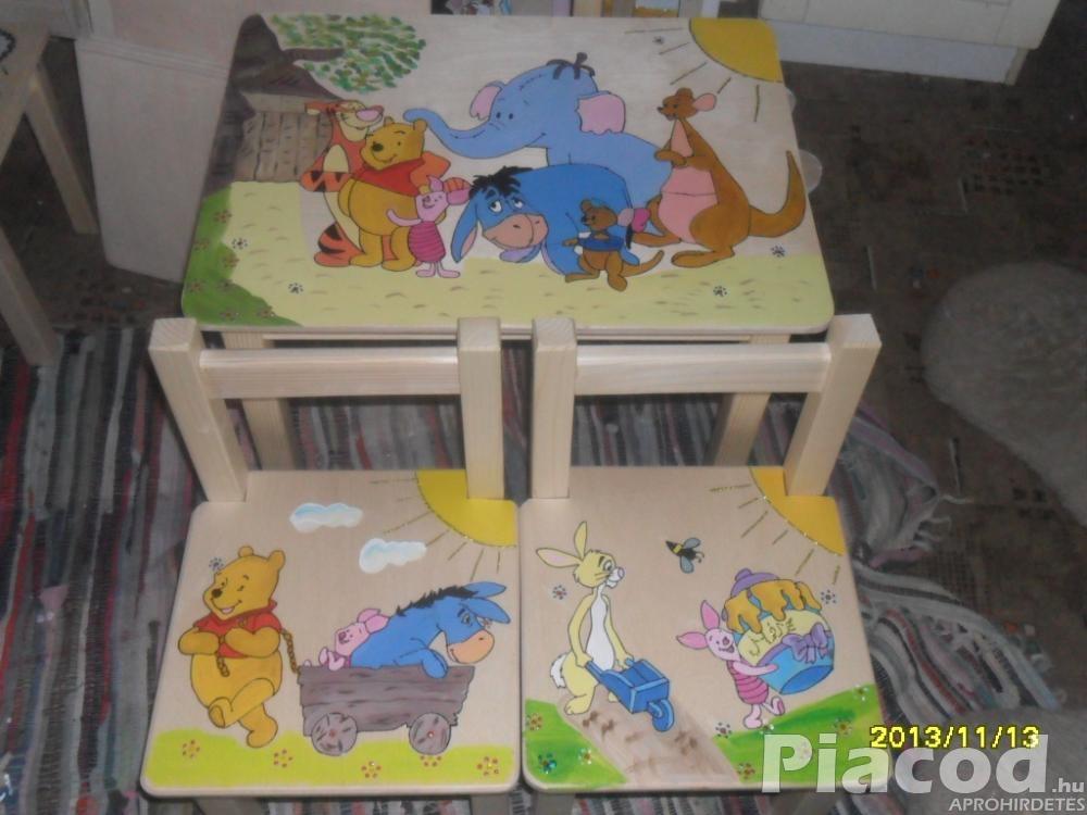 Kézzel festett fa gyerekasztal két székkel  Micimackó és barátai