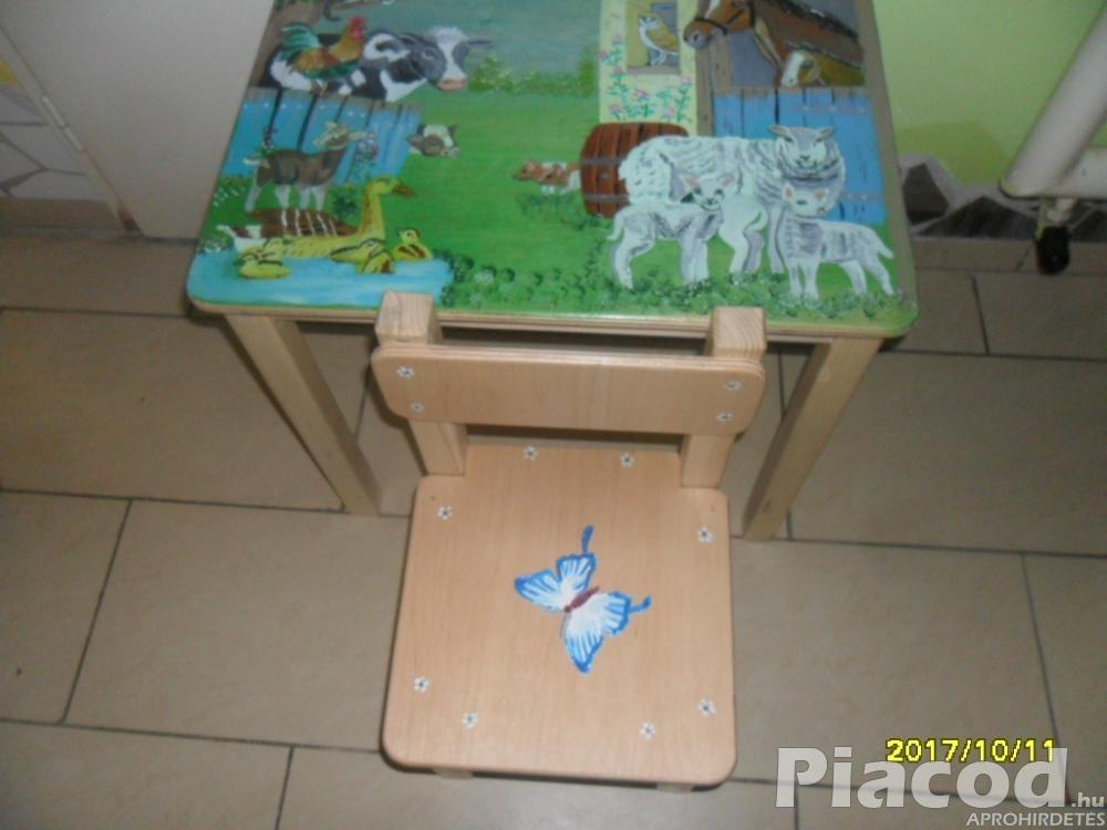 Farmos háziállatos egyedi festésű gyerekasztal és két szék