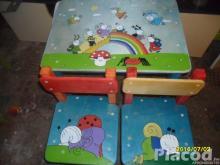 Mesefigúrás fa gyerekasztal két székkel kézzel festve Bogyó és Babóca