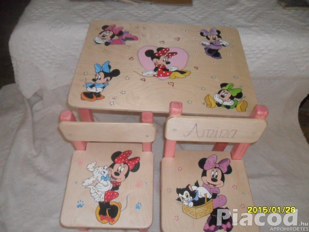 Egyedi festésű fa gyerekasztal két székkel Minnie-s