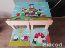 Egyedi festésű fa gyerek asztal két székkel Bogyó és Baböca