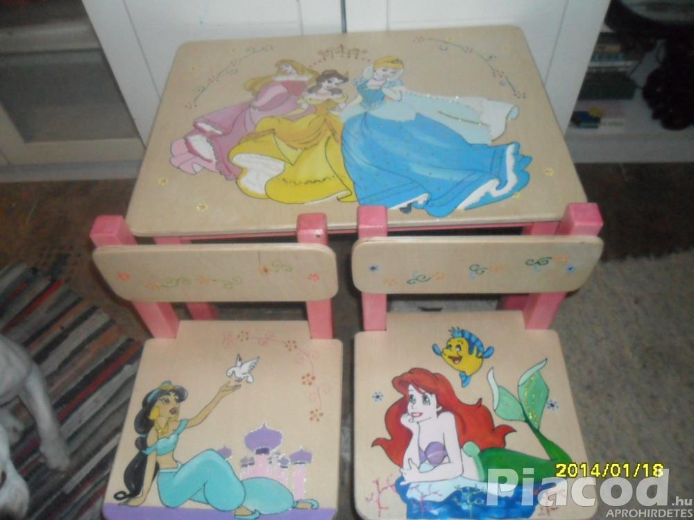 Csajos egyedi kézzel festett fa gyerekasztal és kettő székkel