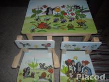 Egyedi kézzel festett fa gyerek asztal két székkel