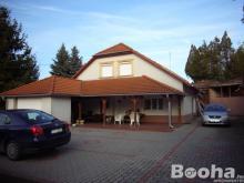 Dunaújvárosban  családi ház  eladó