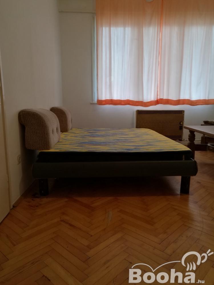Pápán azonnal beköltözhető lakás eladó!
