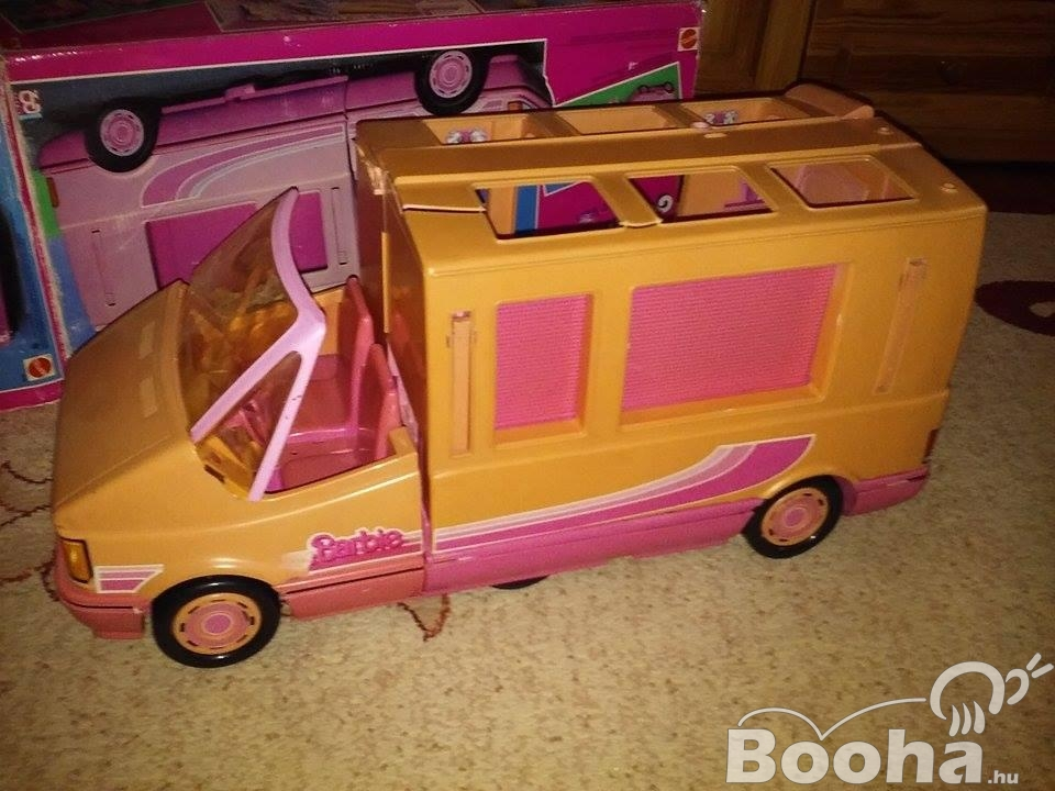 Retró Barbie lakóautó