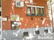 külföldre költözés miatt mélyen áron alul eladó szolnokon a Kossuth téren eladó egy 358nm-es szuteré
