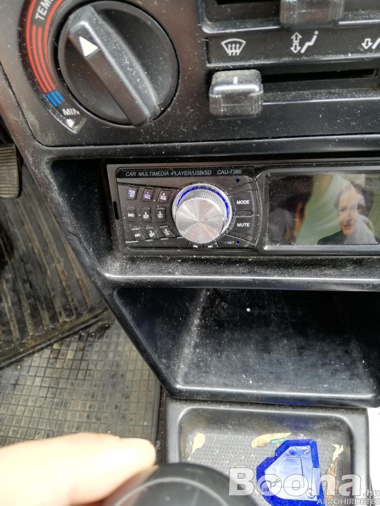 Eladó autós magno