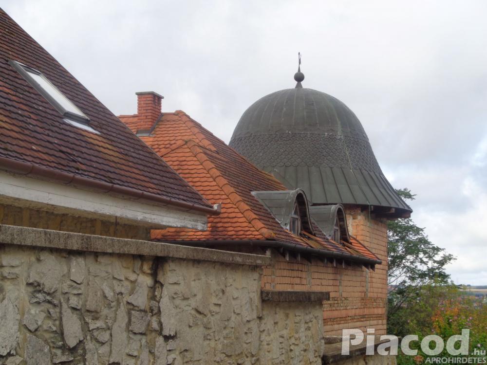 Keszthely-Kertvárosban eladó családi ház